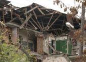 Аварийный жилой дом обвалился в Гюмри