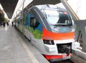 Пашинян стал первым пассажиром нового электропоезда Ереван-Гюмри