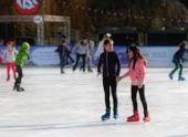 В Ереване открылся сезон катания на коньках