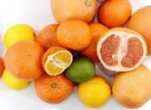 Витамин С способствует сохранению мышц в старости